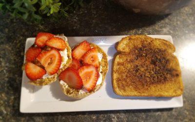 Fruit and Yogurt Toast